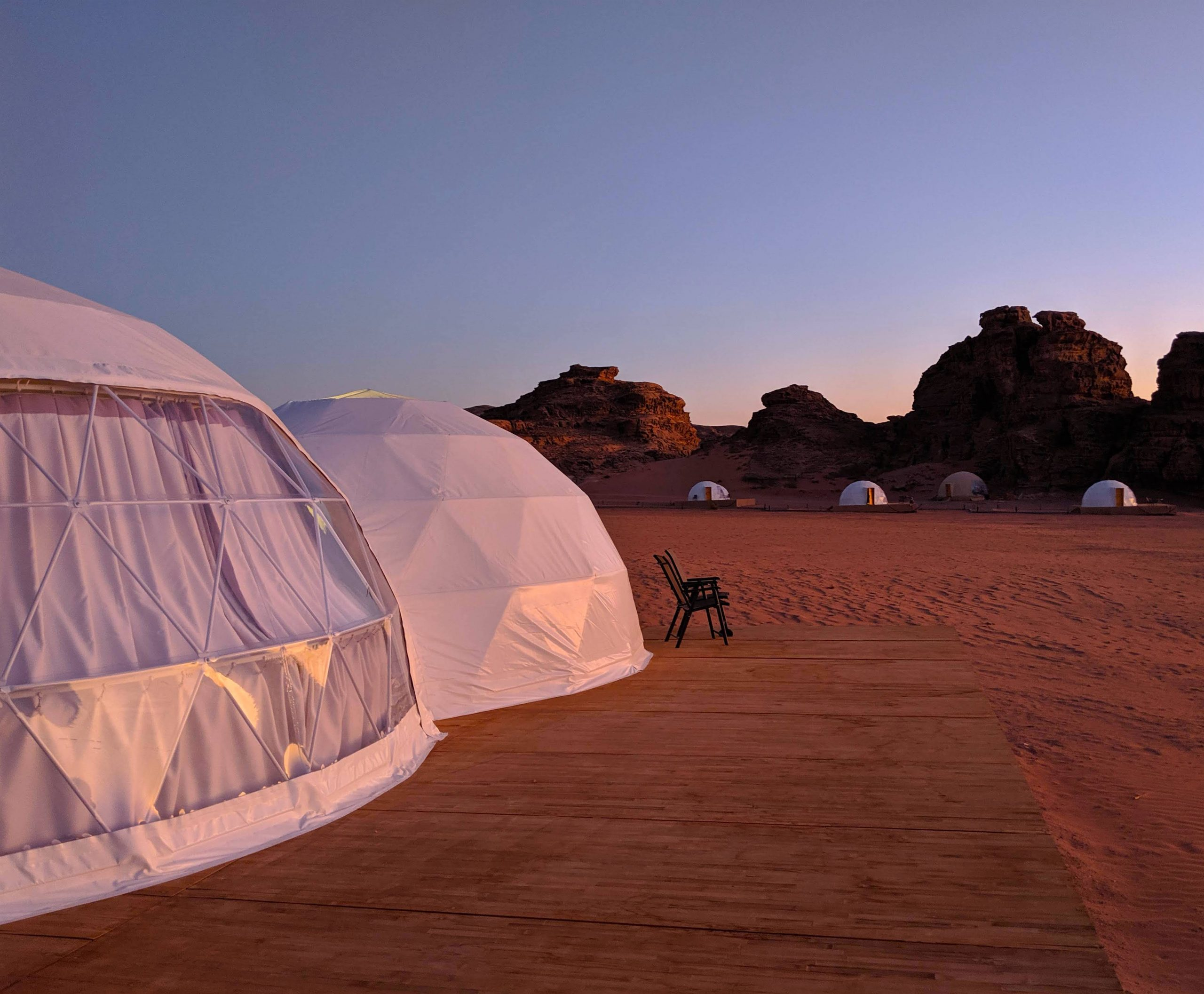 Bubble hotel in the desert